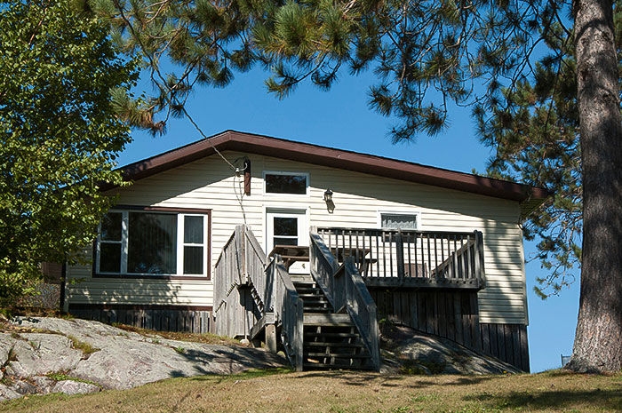 Cottage 3 - Two Bedrooms - Sleeps 4 people - Moonlight Bay Cottages, French River, Ontario