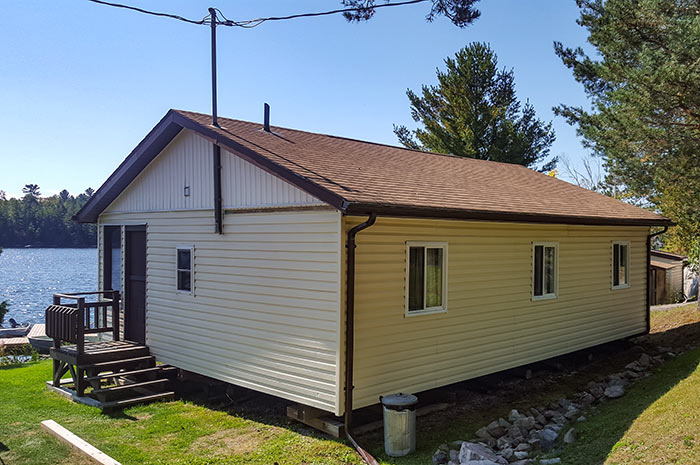 Cottage 4 - Three Bedrooms - Sleeps 6 people - Moonlight Bat Cottages, Alban Ontario