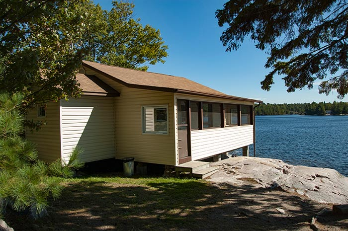 Cottage 11 - Three Bedrooms - Accommodates 6 people - Moonlight Bay Cottages, Northern Ontario